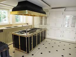 cuisine avec gaziniere de manincor cuisinière bois aveyron de manincor cuisinière piano