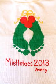 cute christmas craft to do on a large tile mistletoes christmas
