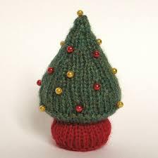 little christmas tree knitting pattern by amanda berry knitting