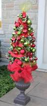 Christmas Decorations For Outdoor Urns by Tomato Cage Christmas Tree Topiary My Everchanging Garden