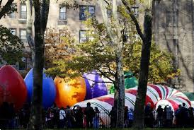 balloons broadway and security at macy s parade reading