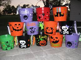 de la design more personalized halloween trick or treat buckets