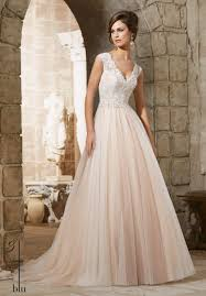 5368 wedding gowns dresses embroidered lace appliques with