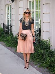 pleated skirts 20 style tips on how to wear a pleated skirt gurl gurl