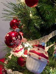 a mini cupcake christmas tree perfect for the kitchen christmas