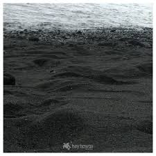 punaluu black sand beach with map pictures
