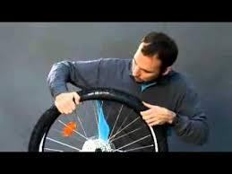 comment changer une chambre à air démonter un pneu de vélo b