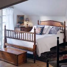 Best 25 Farmhouse Bed Frames by Best 25 Spool Bed Ideas On Pinterest Spindle Bed Painted Bed