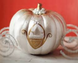 Cinderella Centerpieces The 25 Best Cinderella Pumpkin Carriage Ideas On Pinterest