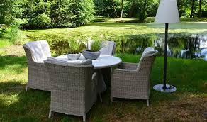 salon de jardin haut de gamme resine tressee table de jardin ronde en résine tressée grise 4 places haut de gamme