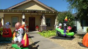 halloween inflateables criminals swipe halloween display from dallas lawn nbc 5 dallas