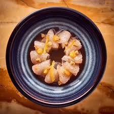 comment cuisiner une daurade recette daurade marinée au yuzu et croûtons dorés cuisine madame