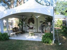 how to make a wedding porta potty less gross and more awesome - Wedding Porta Potty
