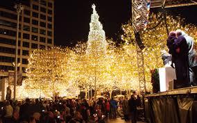 zona rosa tree lighting bright lights kansas city visit kc