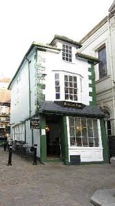 Crooked House The Crooked House Of Windsor Picture Of The Crooked House Of