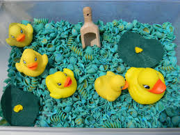 jada roo can do 5 little ducks sensory bin august sensory
