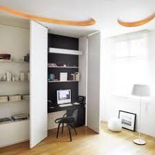 dans un bureau 5 astuces déco pour cacher un bureau dans un placard