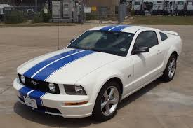 white mustang blue stripes ford mustang white blue stripes car autos gallery