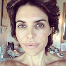 What Skincare Does Lisa Rimma Use | score lisa rinna s skincare regimen at 20 of
