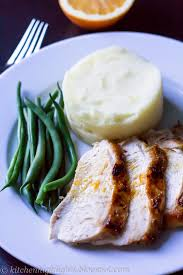 roasted turkey with garlic mashed potatoes and green beans small