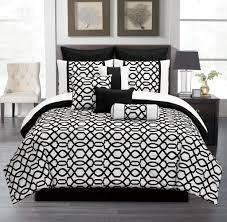bedroom distintive black and white bedding set in zebra theme