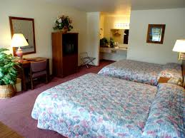 Lake Yellowstone Hotel Dining Room by Motel Dude U0026 Roundup West Yellowstone Mt Booking Com