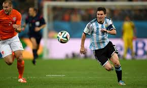 Lionel Messi Leg Lionel Messi Running Match Hd Wallpapers Free