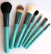 sigma brushes make me cool travel kit review smashinbeauty