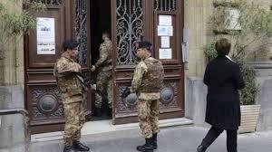 consolato d italia parigi terrorismo innalzati i livelli di sicurezza a napoli ottopagine it