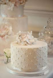 tiered wedding cakes 34 pretty one tier wedding cakes to get inspired weddingomania