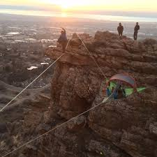 slacklining and hanging high above the mountains with our tentsile