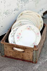 Decorative Plastic Plates For Wedding 3 Fun Vintage Wedding Themes Shabby China And Weddings