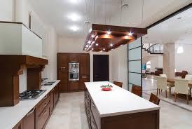 eclairage pour ilot de cuisine 41 idées pour bien éclairer un plan de travail ou un îlot de cuisine