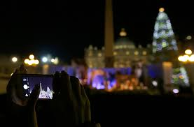 photo gallery 70 year old christmas tree lit in st peter u0027s