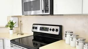 under cabinet microwave height how far does an under the cabinet microwave have to be from the