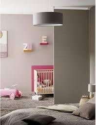 chambre parents bébé cloison amovible séparant chambre bébé et chambre parents