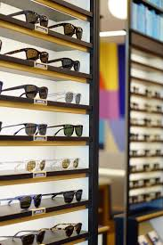 warby parker opening its first st louis store right on time