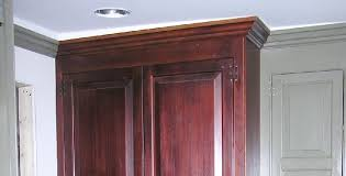 How To Install Kitchen Cabinet Crown Molding Hanging Cabinets Level Or Aligned With Ceiling Homeimprovement