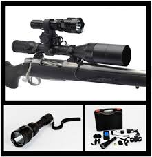 cyclops varmint gun light cyclops vb250 varmint led light 250 lum long yd range aviation grade