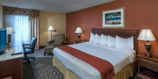 Family Dollar Miami Gardens Holiday Inn Express Miami Arpt Ctrl Miami Springs Hotel By Ihg