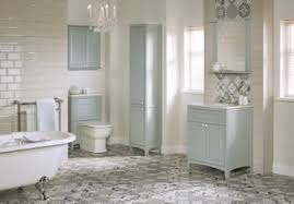 small traditional bathrooms traditional bathrooms be equipped classic bathtub be equipped