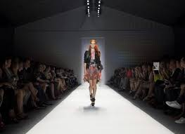 how to get tickets to mercedes fashion week attend a fashion at mercedes fashion week in nyc the