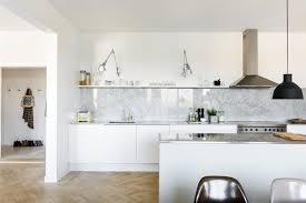 cuisine en marbre design interieur plan de travail marbre crédence marbre blanc