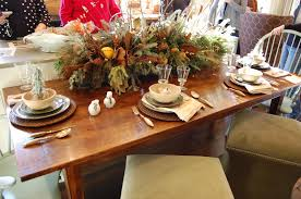 dining room christmas decoration idea for wooden table with