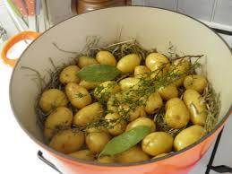 comment cuisiner les pommes de terre grenaille légumes pommes de terre grenaille à la vapeur de foin terre et mar