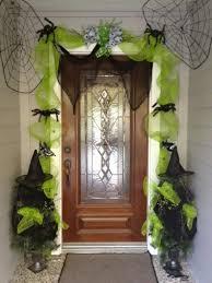 la terrifiante dcoration halloween pour la porte dentre disney