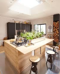 cuisine a bois cuisine en bois un matériau plusieurs styles travaux com