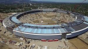 apple siege travaux impressionnants du nouveau siège d apple en cercle géant