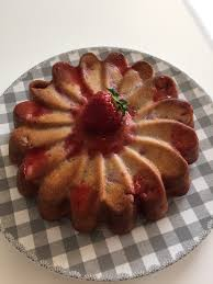 cuisine aux fraises gâteau moelleux aux fraises et sa cuisine gourmande et légère