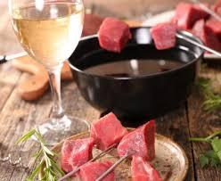 cuisiner viande à fondue fondue au bouillon recette de fondue au bouillon marmiton